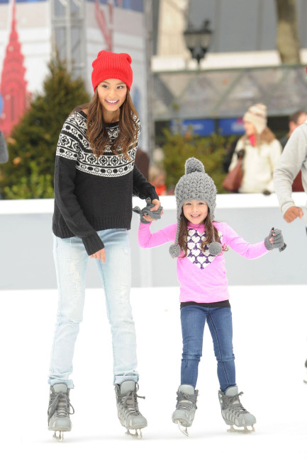 jamie-chung-ice-skating-main
